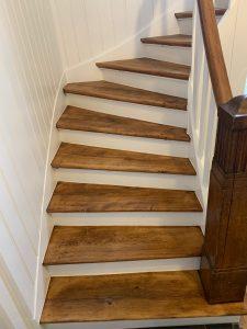 Treppenhaus mit Holztreppe 3