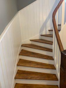Treppenhaus mit Holztreppe 2