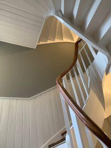 Treppenhaus mit Holztreppe 5