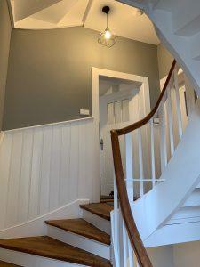 Treppenhaus mit Holztreppe 4