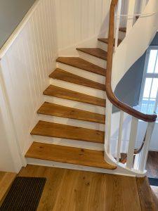 Treppenhaus mit Holztreppe 1